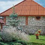 Ile kosztuje wymiana pokrycia dachowego w stajniach?