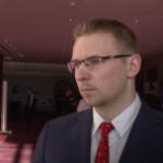 Oszczędności Polaków będą trafiać z lokat na giełdę. Proces ten opóźnia niska edukacja ekonomiczna Polaków