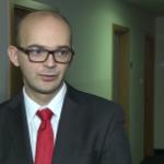 Słaby rok dla polskiego rynku akcji. W ciągu ostatnich 12 miesięcy WIG20 stracił ponad 18 procent