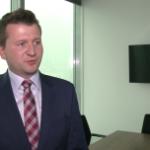 Banki i spółki energetyczne przez ostatni rok ciążyły polskiej giełdzie. WIG20 dopiero wrócił do poziomu z przełomu roku