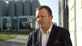 Polskie browary w światowej czołówce w zakresie działań na rzecz ochrony środowiska BIZNES, ,piwo, produkcja piwa, zużycie wody, oszczędności wody w przemyśle, Grupa Heineken, Arcyksiążęcy Browar w Żywcu, Ryszard Szczotka - Woda w browarach ma kluczowe znaczenie. Stanowi 95 proc. piwa i jest wykorzystywana w większości procesów w trakcie jego produkcji. Od 2008 roku Grupa Żywiec ograniczyła zużycie wody o 5 proc. Dziś wynosi ono 2,8 hl wody na 1 hl piwa. Dwa z pięciu polskich browarów znajdują się w pierwszej piątce pod względem efektywności zużycia wody w Grupie Heineken.