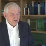 prof. S. Gomułka: firmy nie podejmują wyzwań z powodu niepewności dotyczącej otoczenia prawnego i politycznego