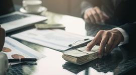 Ile chce zarabiać pokolenie Y? Finanse, LIFESTYLE - Jakich miesięcznych dochodów oczekują milenialsi? Jaki poziom zarobków chcieliby osiągnąć podczas rozwoju zawodowego? Blisko połowa z nich prognozuje, że realnym celem jest miesięczne wynagrodzenie przekraczające 3000 zł.