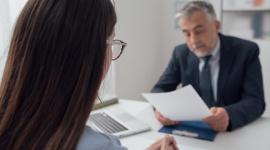 Starasz się o podwyżkę? Sprawdź, jak przygotować się do rozmowy z szefem Finanse, LIFESTYLE - Podwyżka nie jest tylko kwestią zarobionych pieniędzy. Dla niektórych osób może być również wyznacznikiem tego jak postrzegają sami siebie, wyceniają swój wysiłek oraz na ile cenią siebie jako pracownika.